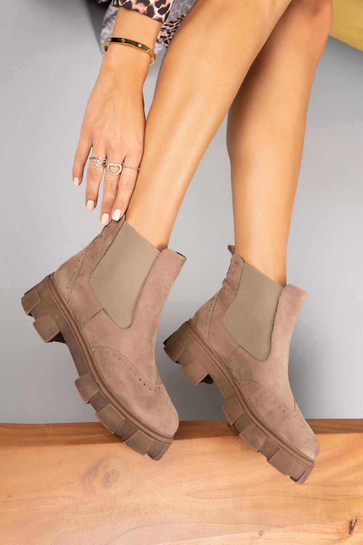 Μπεζ Σουέτ Ankle Boots Ελληνικής Κατασκευής με Λάστιχο